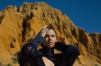 """Sarah Neufeld (Arcade Fire): """"Ik weet niet meer hoe het voelt om thuis te zijn"""""""